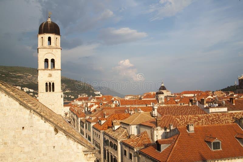 Ansicht der D?cher der ausgezeichneten alten Stadt von Dubrovnik von stockbild