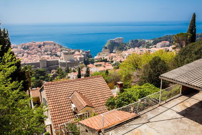Ansicht der D?cher der sch?nen Dubrovnik-Stadt stockfotografie