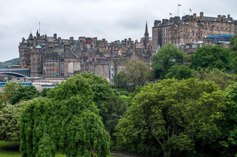 Ansicht der historischen Mitte von Edinburgh in Schottland lizenzfreie stockfotografie