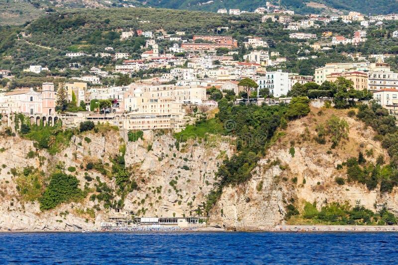 Ansicht der Küste Meta--Di Sorrent, comune in der Provinz stockbilder