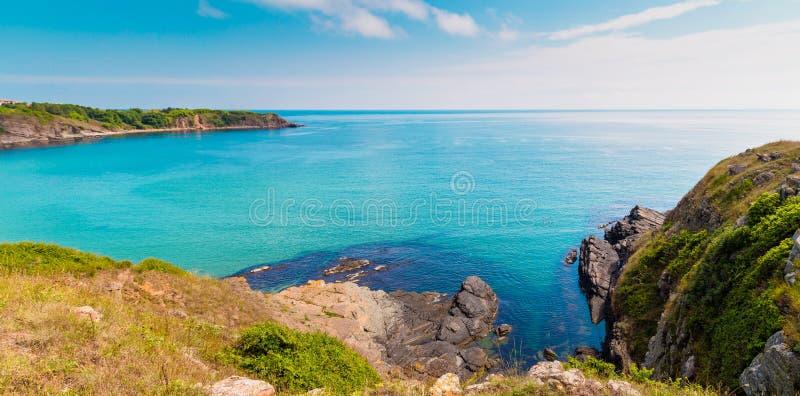 Ansicht der Küste nahe Sinemorets in Bulgarien lizenzfreies stockfoto