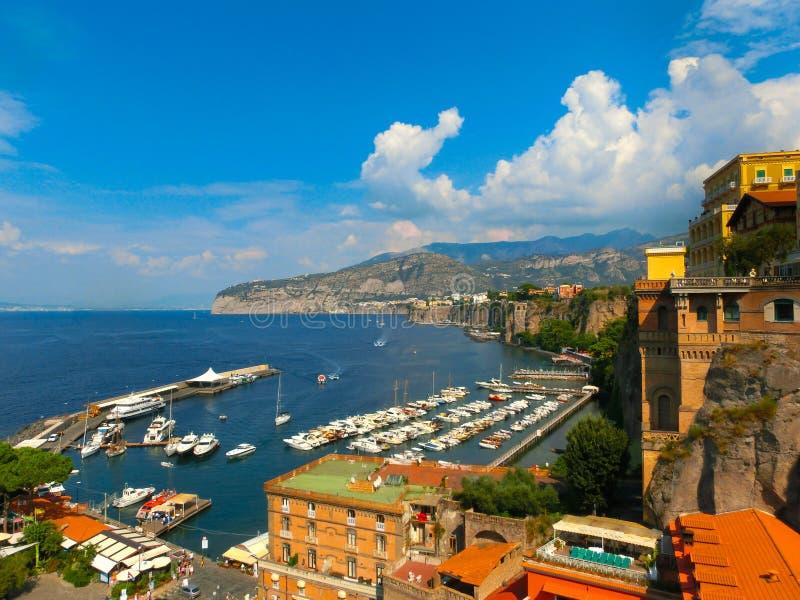 Ansicht der Küste in Sorrent, Italien stockfotos