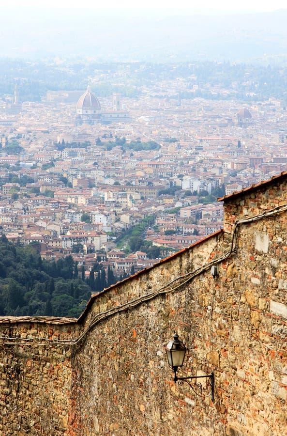 Ansicht an der Kathedrale in Florenz, Italien stockbilder