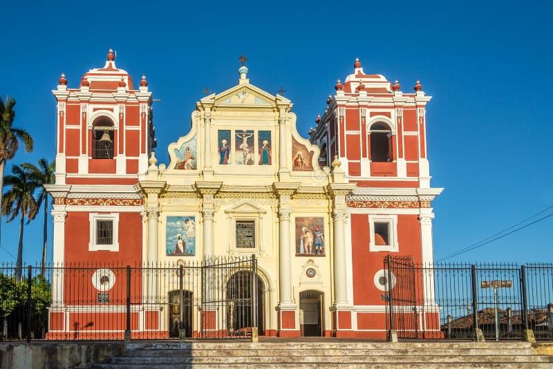 Ansicht an der Kirche EL Calvario in Leon - Nicaragua lizenzfreie stockbilder