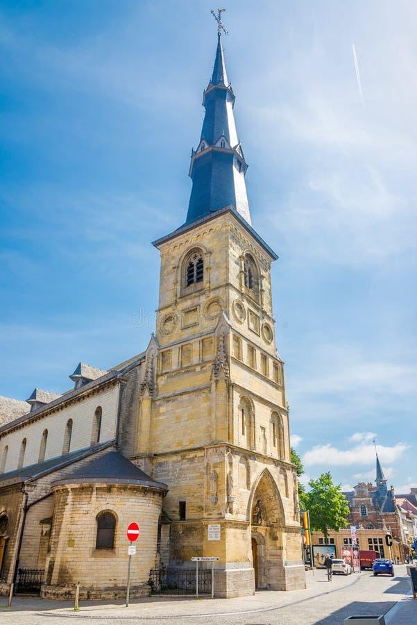 Ansicht an der Kirche von St Martin in Sint Truiden - Belgien lizenzfreie stockfotos