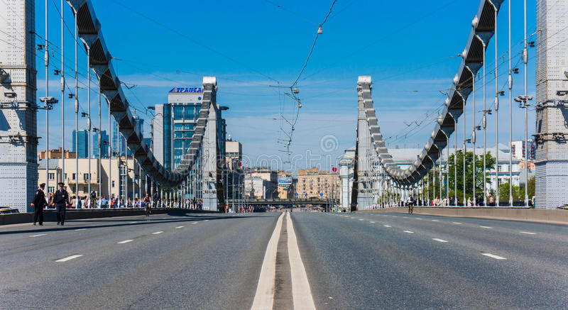 Ansicht der leeren Krimbrücke lizenzfreies stockfoto