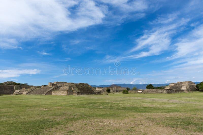 Ansicht der Monte Alban-Ruinen in Oaxaca lizenzfreies stockbild