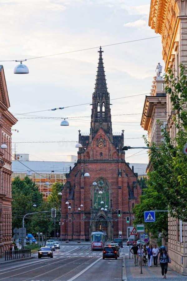 Ansicht der roten Kirche in Brno stockbilder