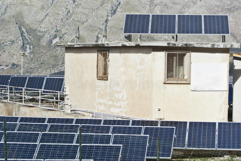 Ansicht Der Sonnenkollektoren In Den Madonie Bergen Lizenzfreies Stockfoto