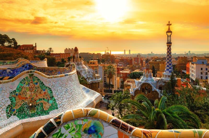 Ansicht der Stadt vom Park Guell in Barcelona stockfotos