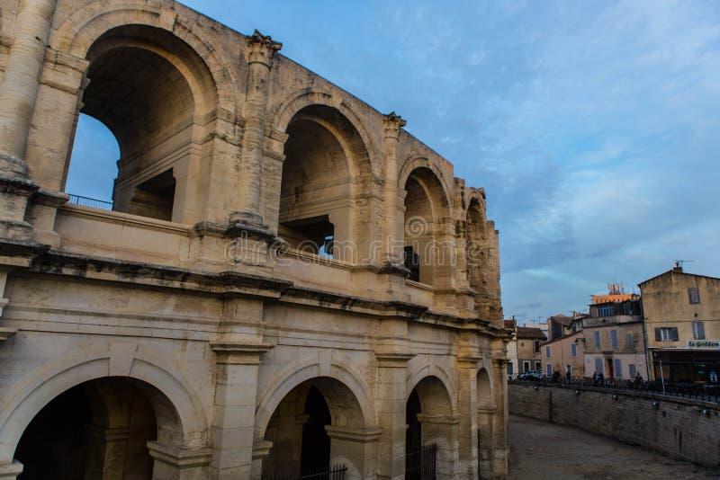 Ansicht der Stadt von Arles in Frankreich stockfotografie