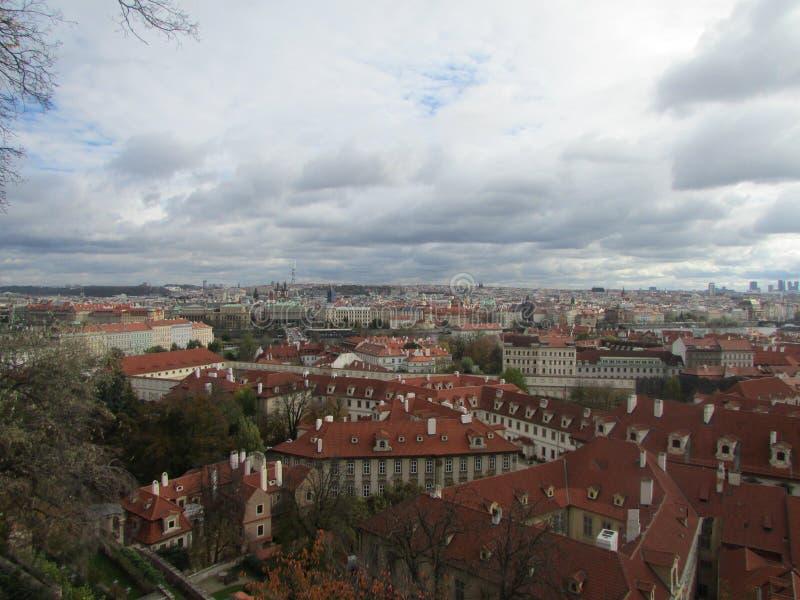 Ansicht der Stadt von Prag von der Aussichtsplattform, Tschechische Republik lizenzfreies stockbild