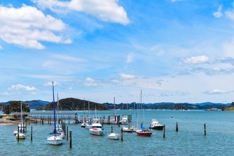 Ansicht des blauen Himmels und des Meeres stockfotografie