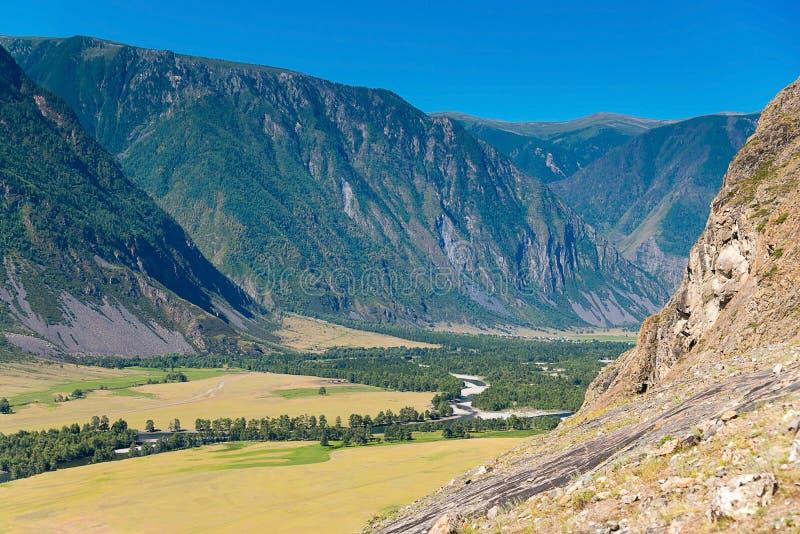 Ansicht des Chulyshman River Valley, Ulagansky-Bezirk, Altai-Republik, Russland lizenzfreie stockbilder