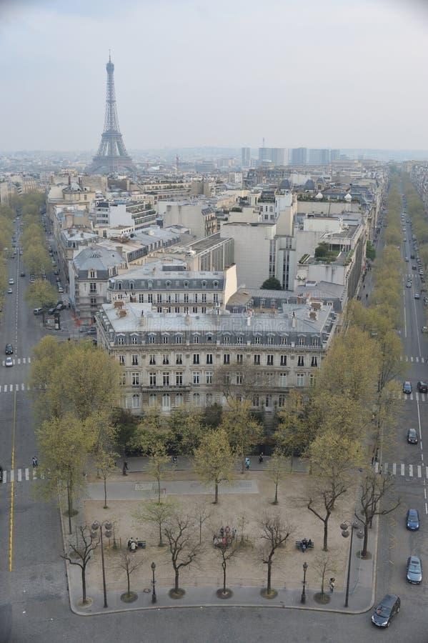 Ansicht des Eiffelturms von Arc de Triomphe lizenzfreies stockbild