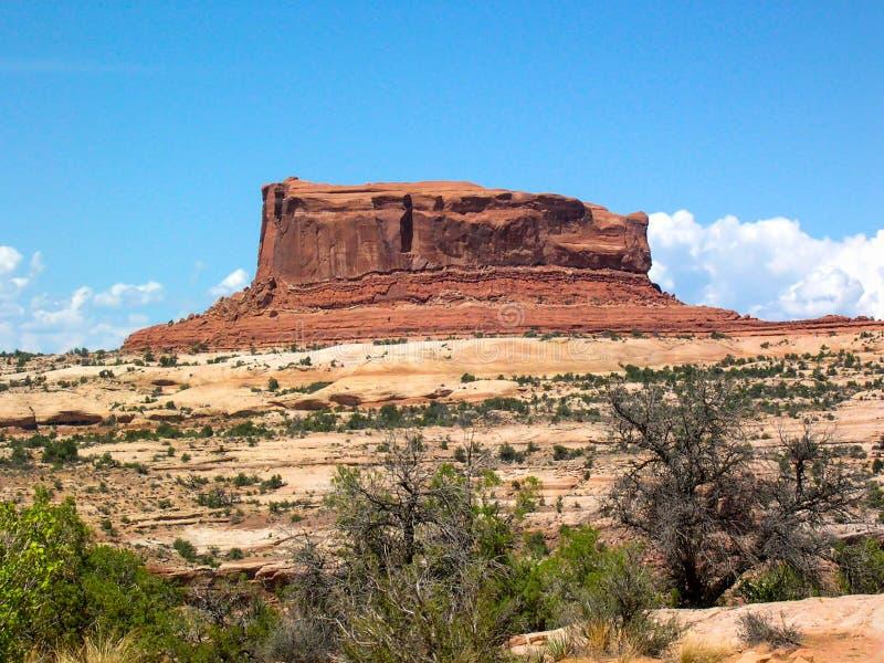 Ansicht des Felsenberges in der Autoreise um U S A lizenzfreie stockbilder
