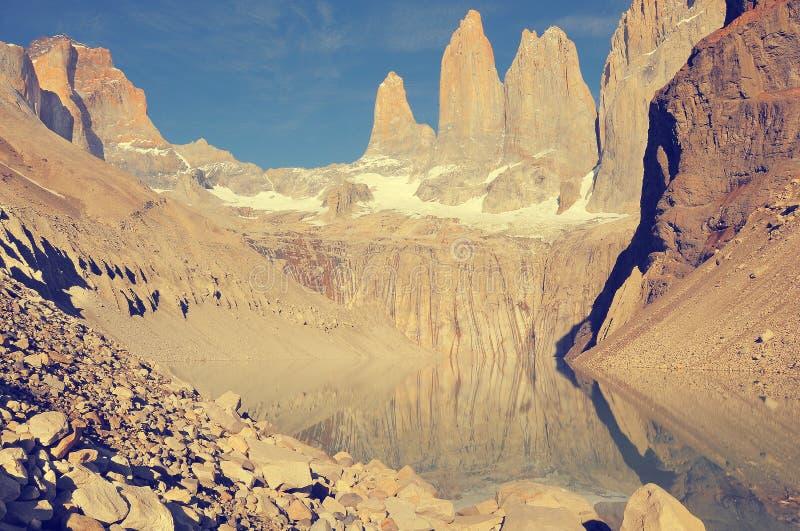 Ansicht des frühen Morgens der Torres-Berge lizenzfreies stockfoto