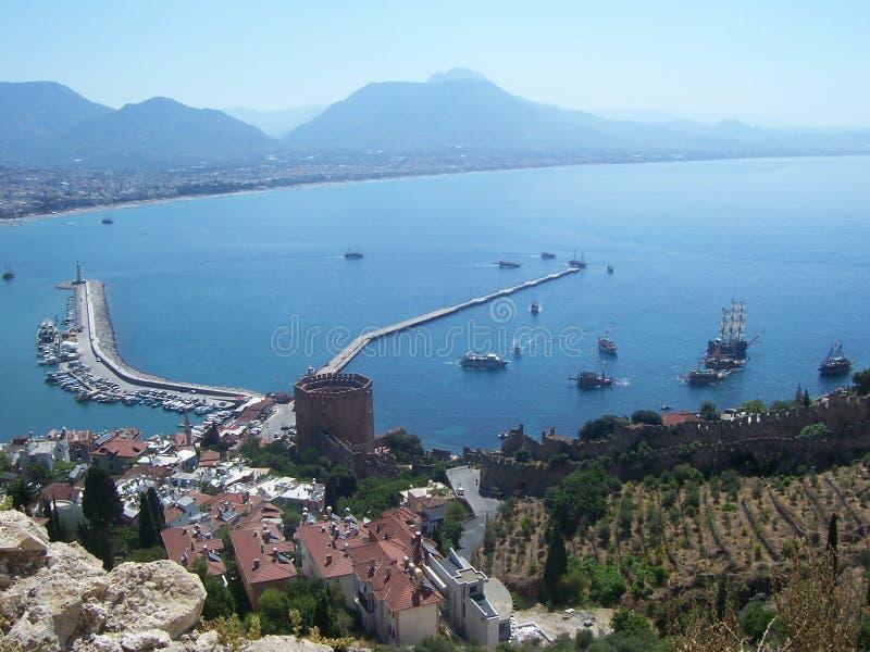 Ansicht des Hafens und der Bucht Alanya von Alanya-Schloss, die Türkei lizenzfreies stockfoto
