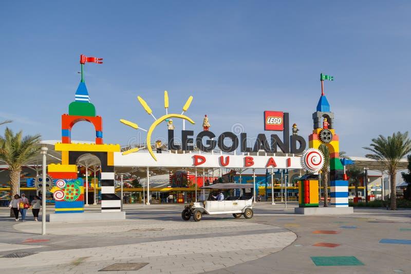 Ansicht des Haupteingangs zum Vergnügungspark Legoland stockfoto