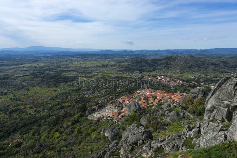 Download Ansicht Des Historischen Dorfs Von Monsanto In Portugal Stockbild - Bild von iberia, architektur: 96927057