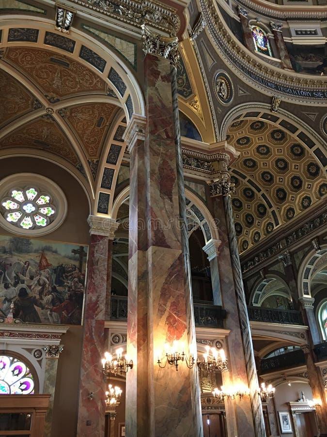 Ansicht des Innenraums der Basilika von St. Josaphat, Milwaukee, Wisconsin, USA lizenzfreie stockfotografie
