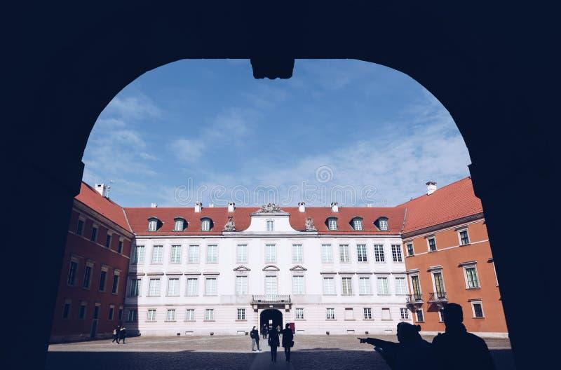 Ansicht des königlichen Schlosses in der alten Stadt - Warschau - Polen lizenzfreie stockbilder
