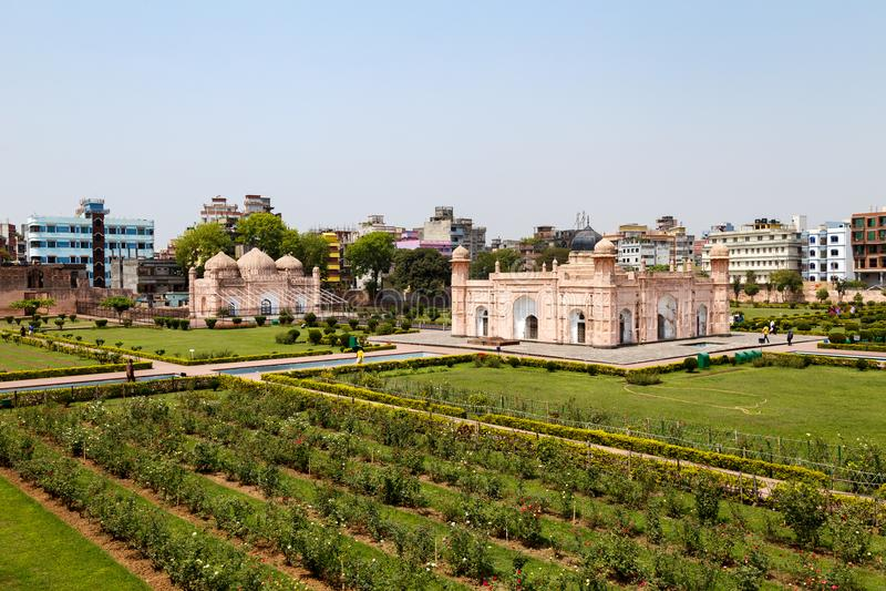 Ansicht des Mausoleums von Bibipari in Lalbagh-Fort, Dhaka, Bangladesch lizenzfreie stockfotos