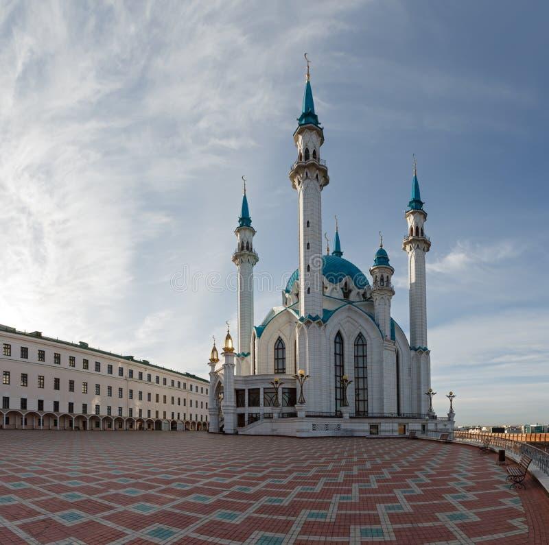 Ansicht des Moscheen-Kathedrale Col.-Sharif Kasans der Kreml stockfotos