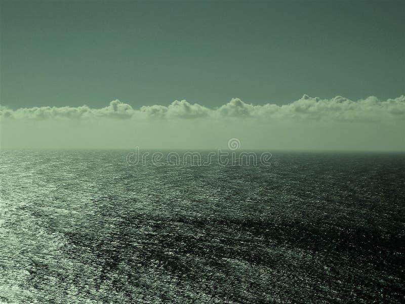 Ansicht des Pazifischen Ozeans irgendwo entlang Landstraße 1 lizenzfreies stockbild