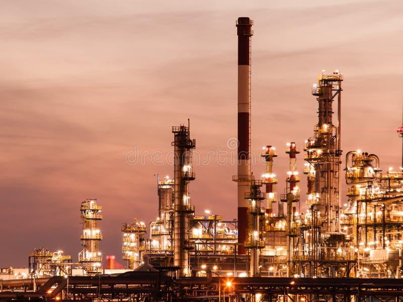 Ansicht des Raffineriepetrochemischen werks in Gdansk, Polen stockbild