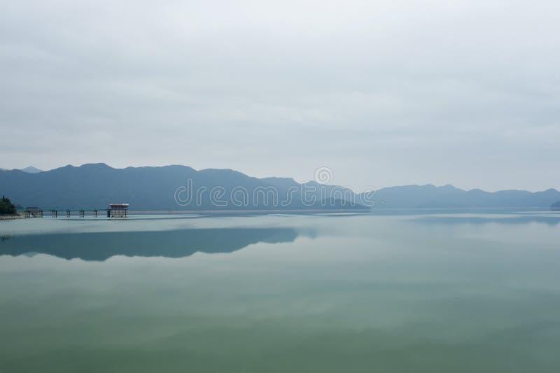 Ansicht des Regenpfeifer-Bucht-Reservoirs von Hong Kong stockfoto