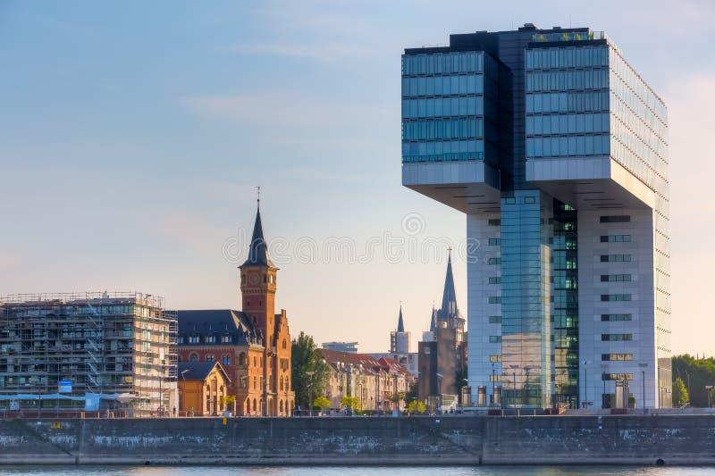 Ansicht des Rheinauhafen in Köln, Deutschland stockfotos
