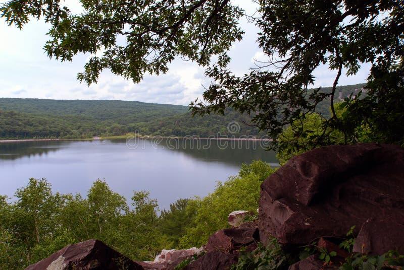 Ansicht des Sees Devils von den Bergen, Wisconsin, USA lizenzfreie stockfotos