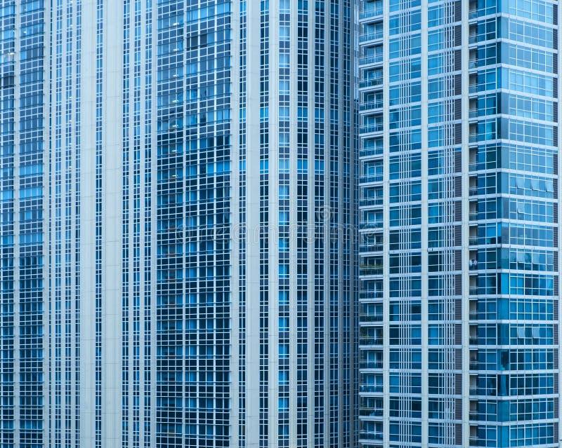 Ansicht des stilvollen, großen Apartmenthauses in Bangkok stockbild