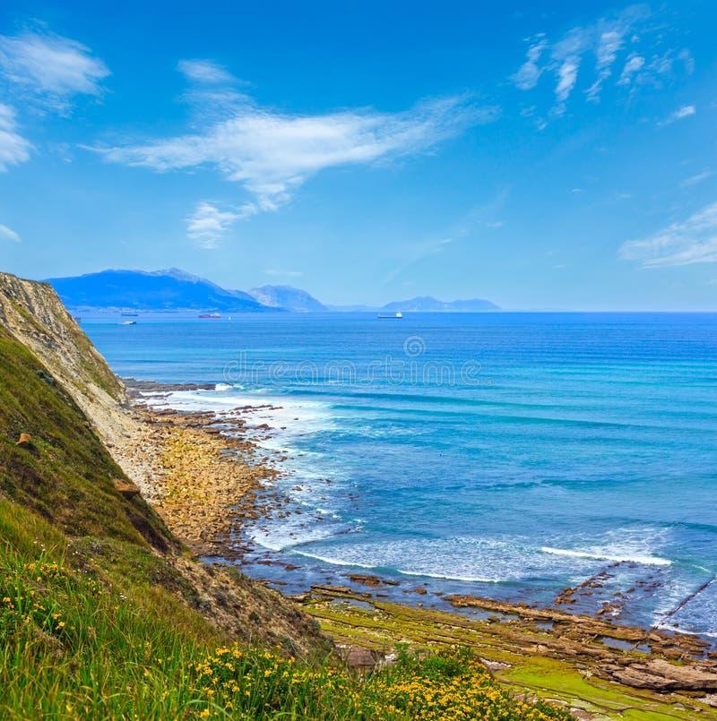 Ansicht des Strandes Azkorri oder Gorrondatxe lizenzfreie stockfotos