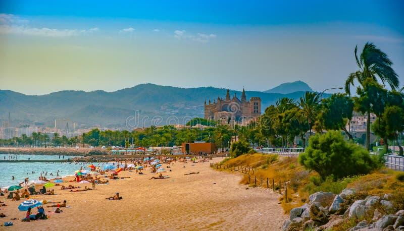 Ansicht des Strandes von Palma de Mallorca lizenzfreie stockbilder