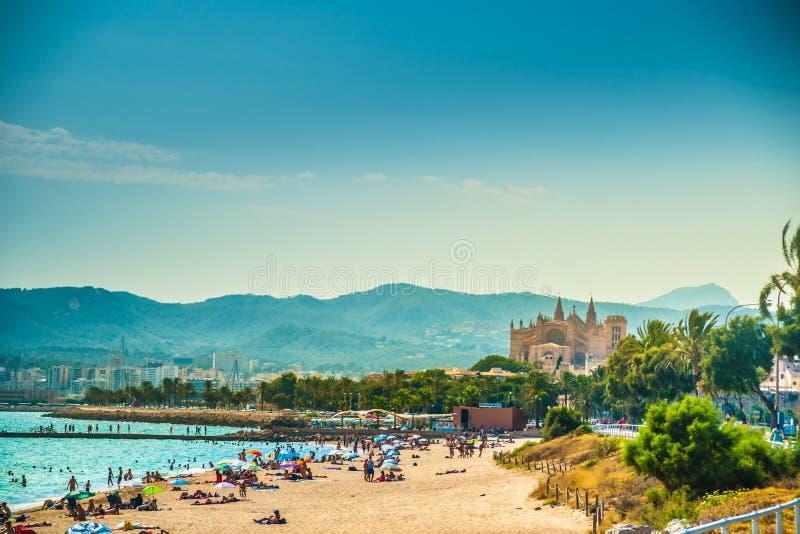 Ansicht des Strandes von Palma de Mallorca lizenzfreie stockfotos
