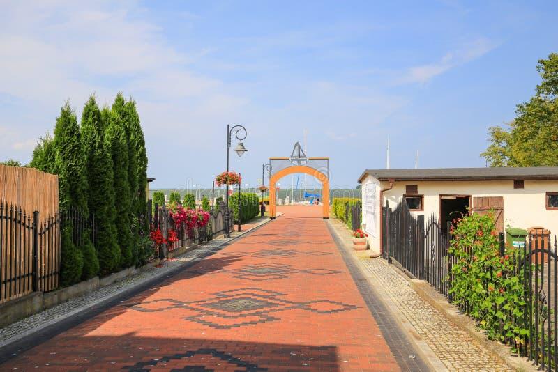 Ansicht des szenischen Hafens in Dorf Nowe Warpno, Polen, Vorpommern stockbild