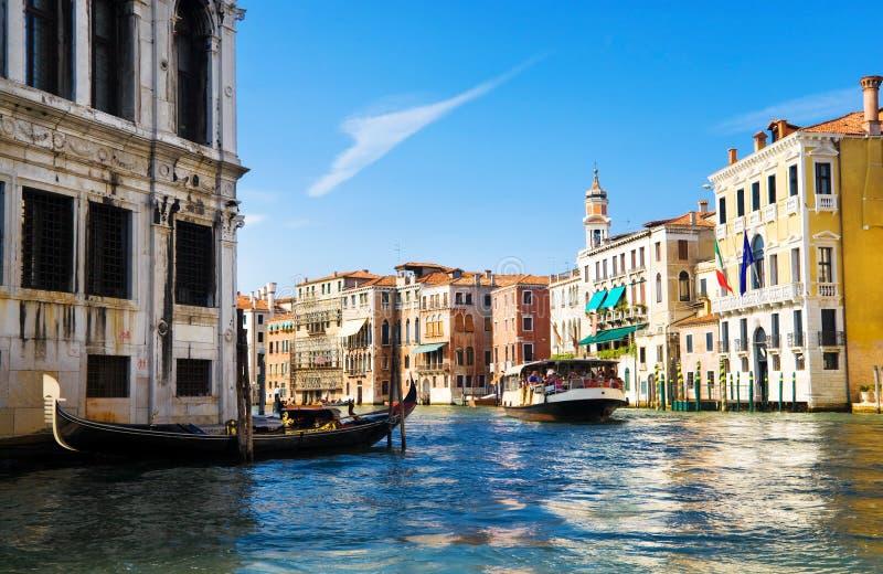 Ansicht des Venedig-großartigen Kanals stockbilder