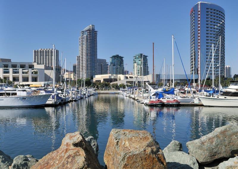 Ansicht des Yachthafens lizenzfreie stockfotos