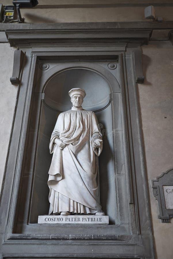 Ansicht einer Statue am Uffizi-Galeriehof stockfoto