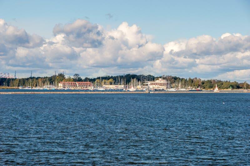 Ansicht für Visla-smiala mit Gorki Zachodnie im Hintergrund von Sobieszewo-Insel in Gdansk, Polan lizenzfreie stockbilder