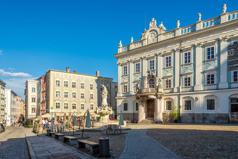 Ansicht am Gebäude des Museums in Passau - Deutschland lizenzfreies stockbild