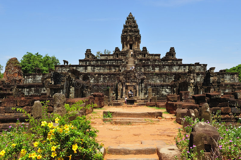 Ansicht Kambodscha-Angkor Roluos des Bakong Tempels stockbilder