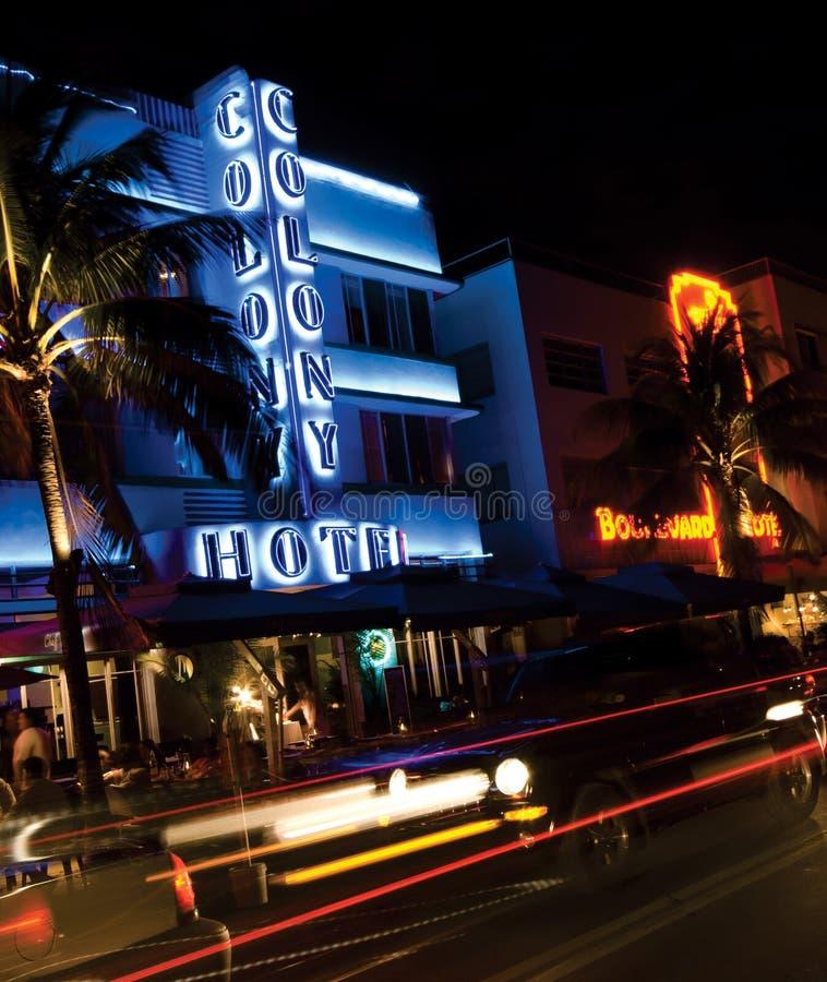 Ansicht-Miami-bach des Kolonienhotels erstaunliches Nacht stockbilder