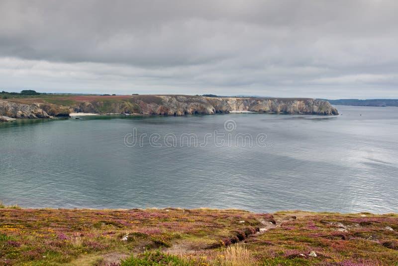 Ansicht Pointe du Penhir, Bretagne, Frankreich stockfotografie