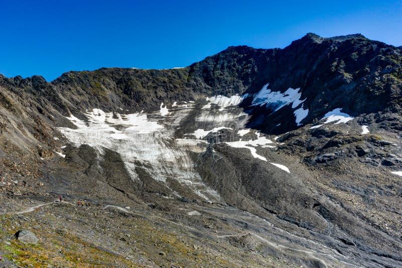 Ansicht in Richtung und von zum Berg Alyeska in Alaska Vereinigte Staaten von A lizenzfreie stockbilder