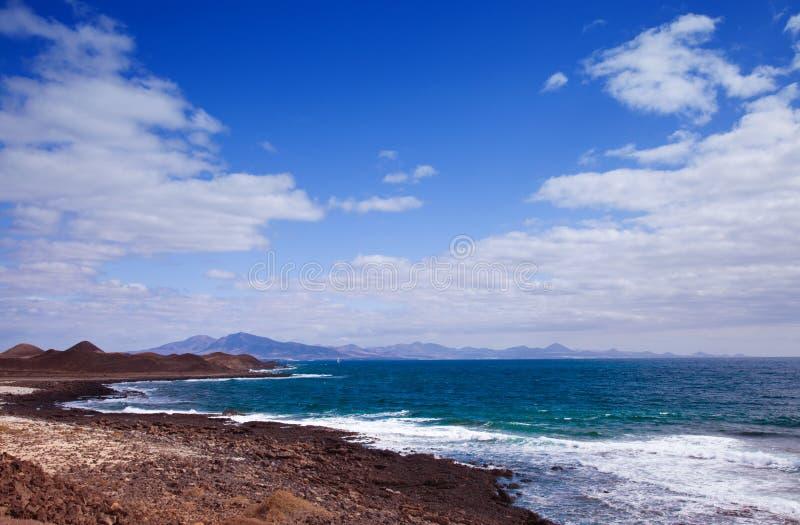 Ansicht in Richtung zu Lanzarote stockbilder