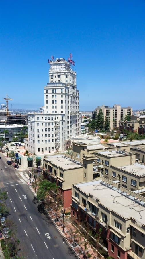 Ansicht in San Diego historischen EL Cortez Hotel, jetzt Wohnungen stockfotografie