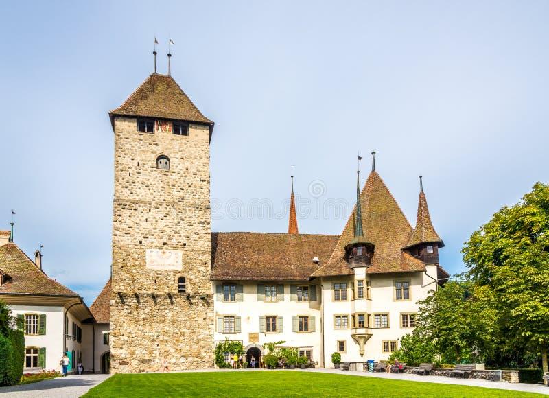 Ansicht am Schloss von Spiez in der Schweiz lizenzfreie stockfotografie